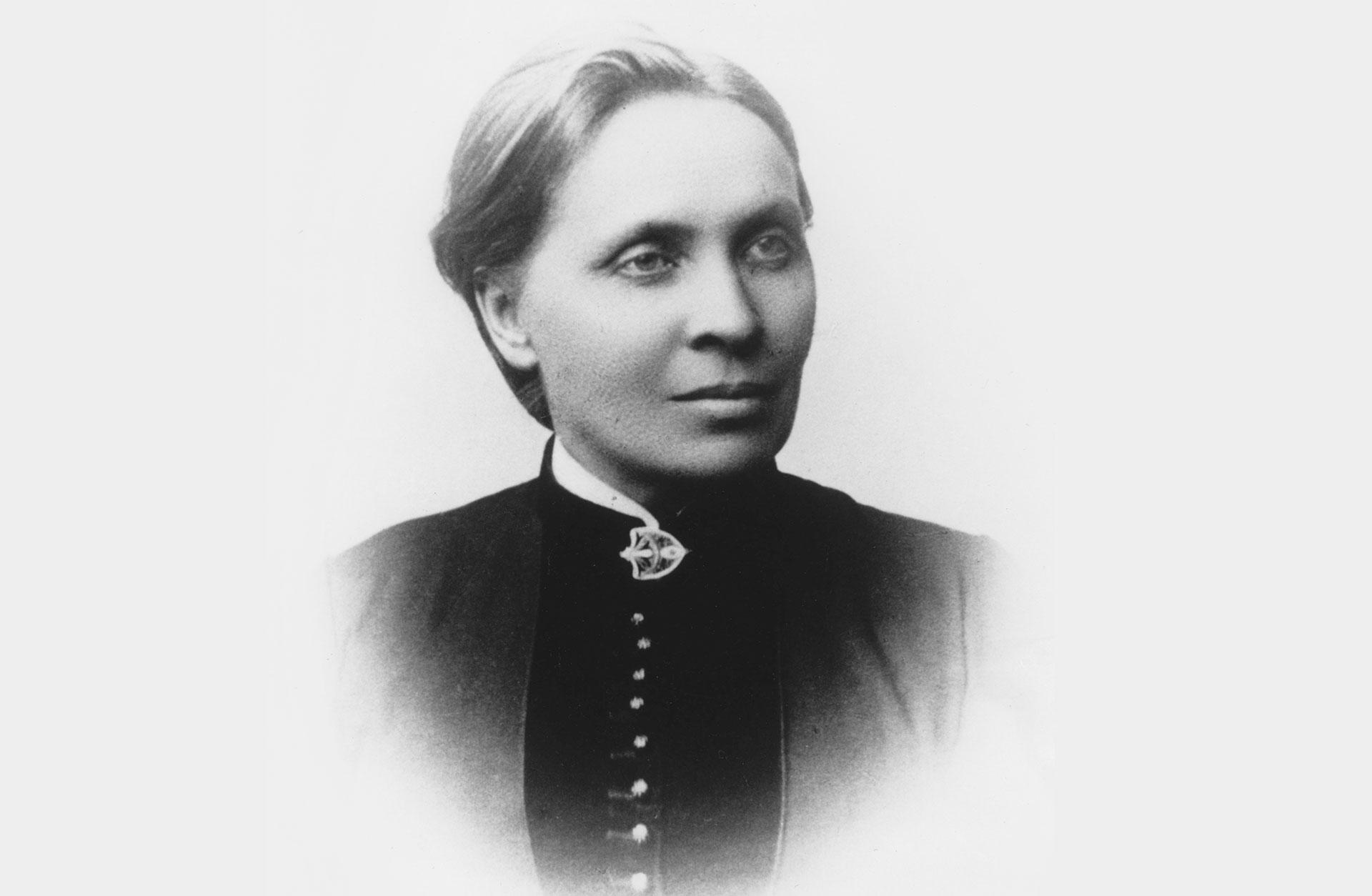 Svartvitt porträtt av Elfrida Andrée